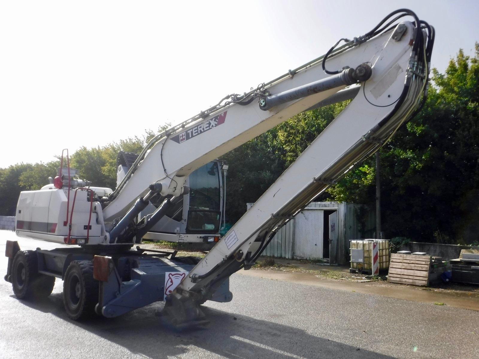2009 - Terex TM230