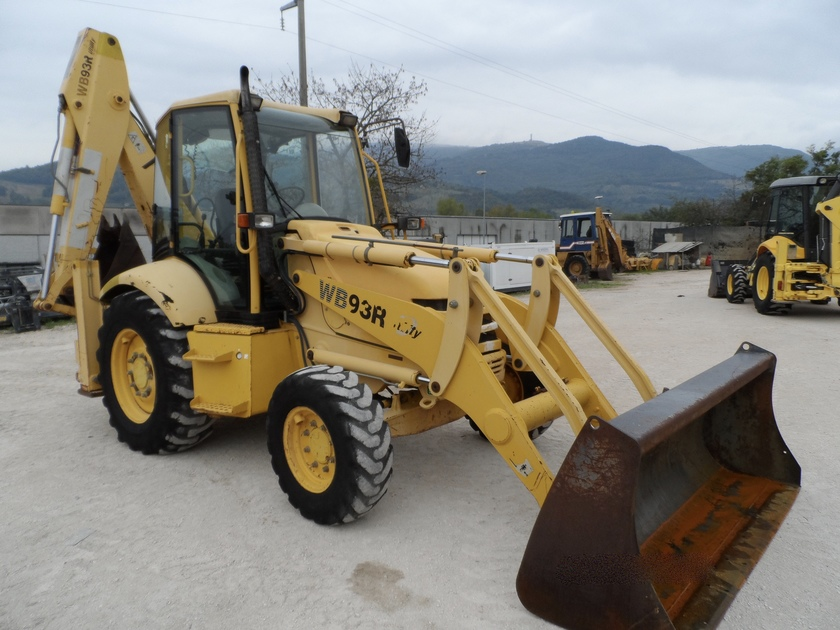 Komatsu Wb93r 2 Used Backhoe Loader For Sale Equippo Com